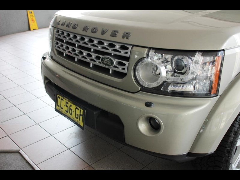 land rover discovery 768599 045