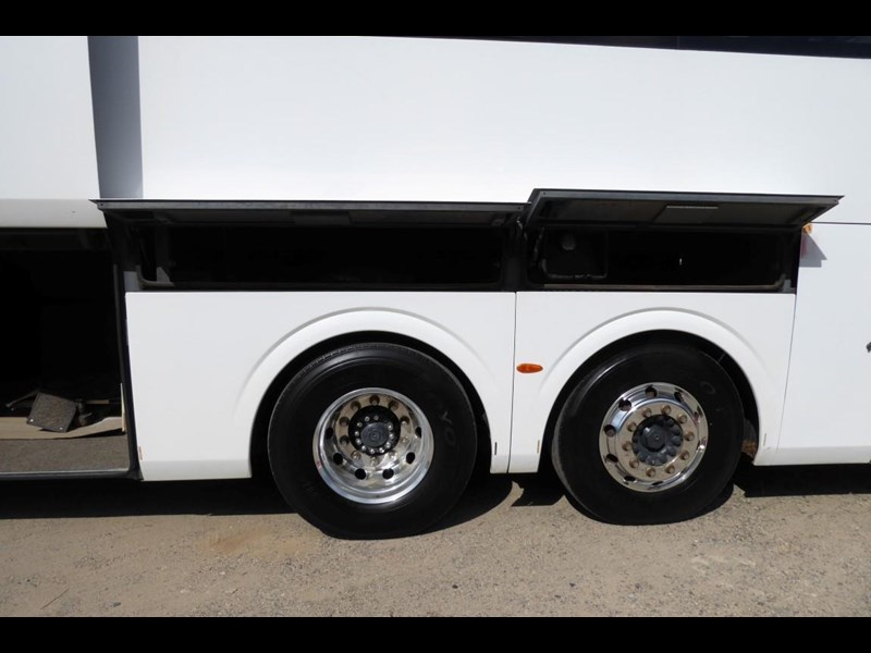iveco chassis irizar bodied 770567 037