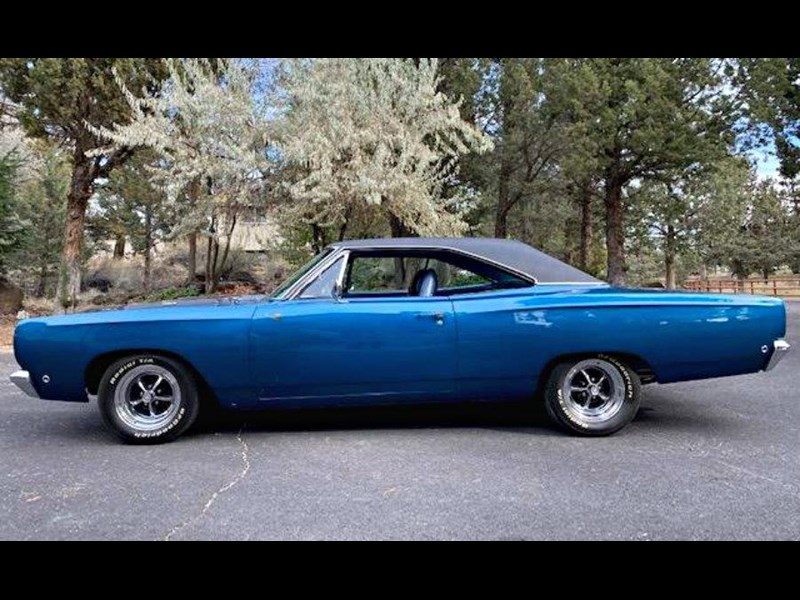 plymouth road runner 772359 015