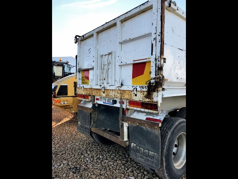 boomer triaxle semi tipper 773402 009