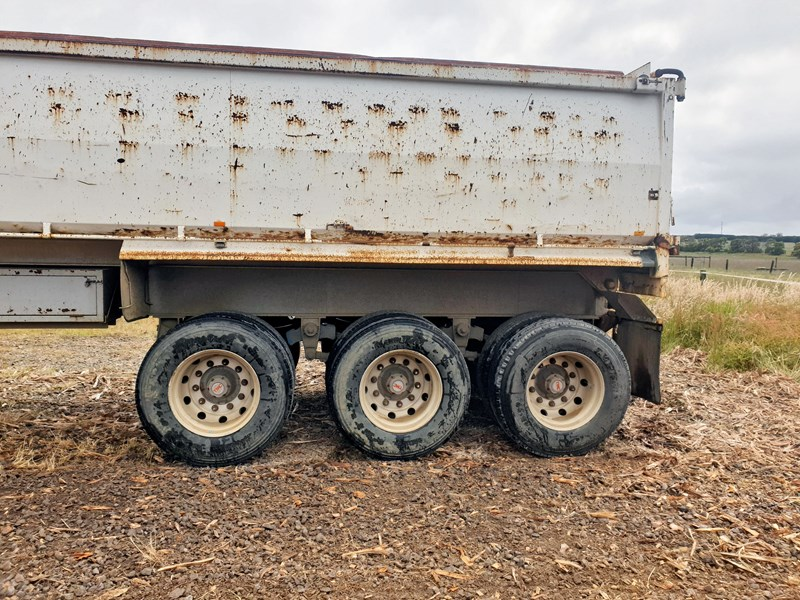 boomer triaxle semi tipper 773402 005