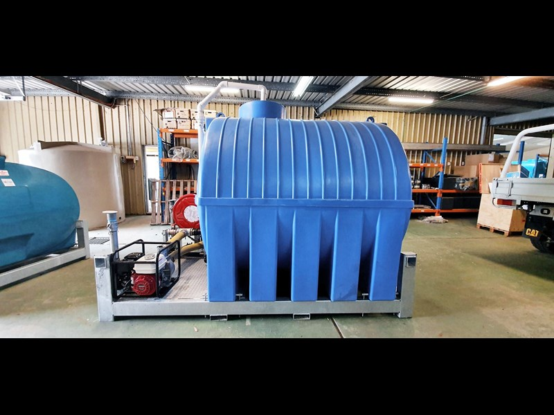 5,300l water tank on galv-skid frame as5300 774277 001