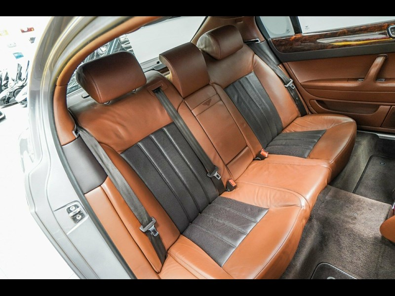 bentley continental 773789 043