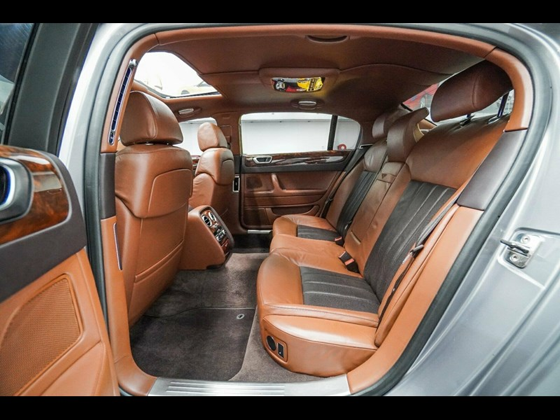 bentley continental 773789 047