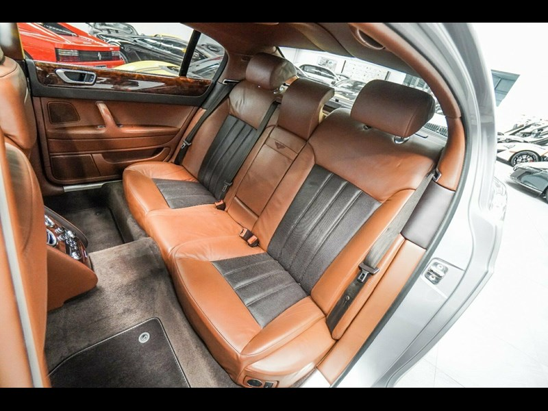 bentley continental 773789 049