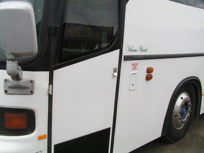 man coach 290 hp (ac, belts, 57 pass) 688721 025