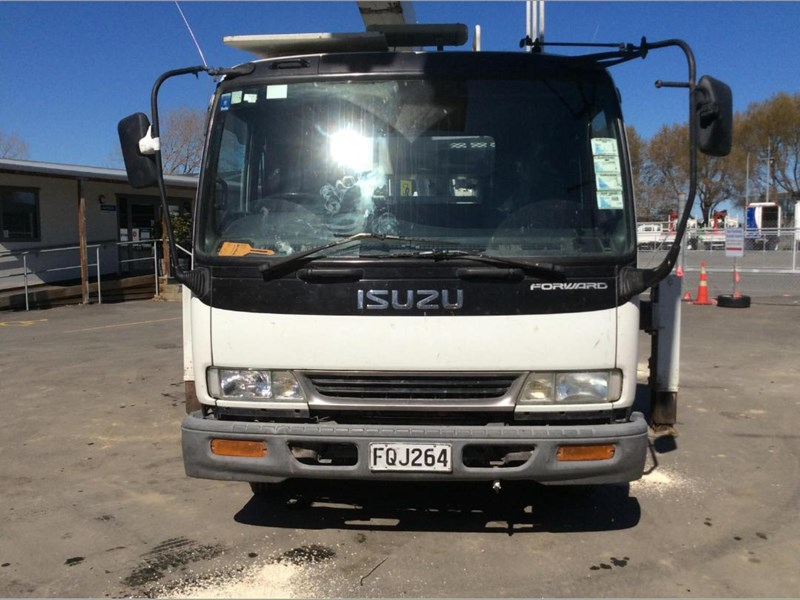 isuzu forward 780176 017