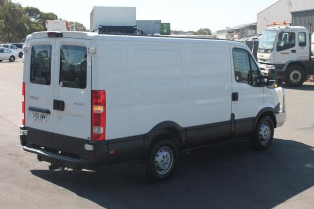 iveco daily 35s15 779356 029