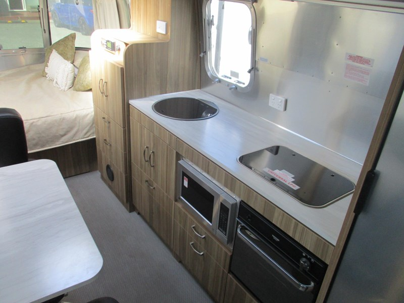 airstream international 18ft 782895 009