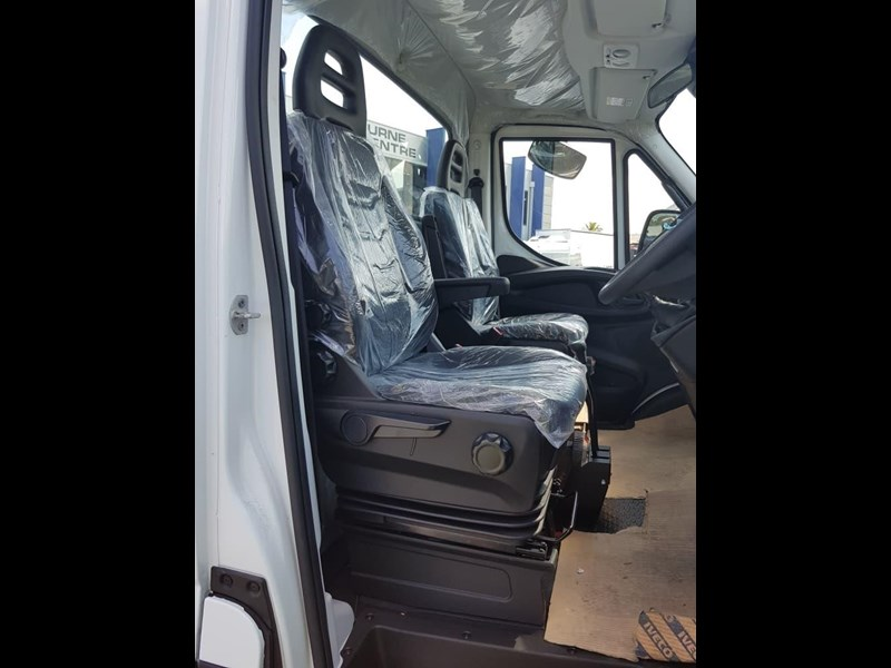 iveco daily 55s18hw 638938 011