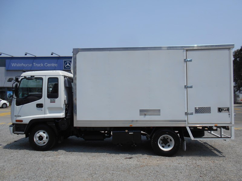 isuzu frr500 long 761455 007