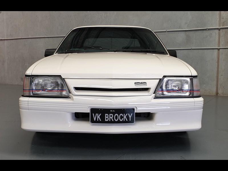 hdt commodore ss 784508 081