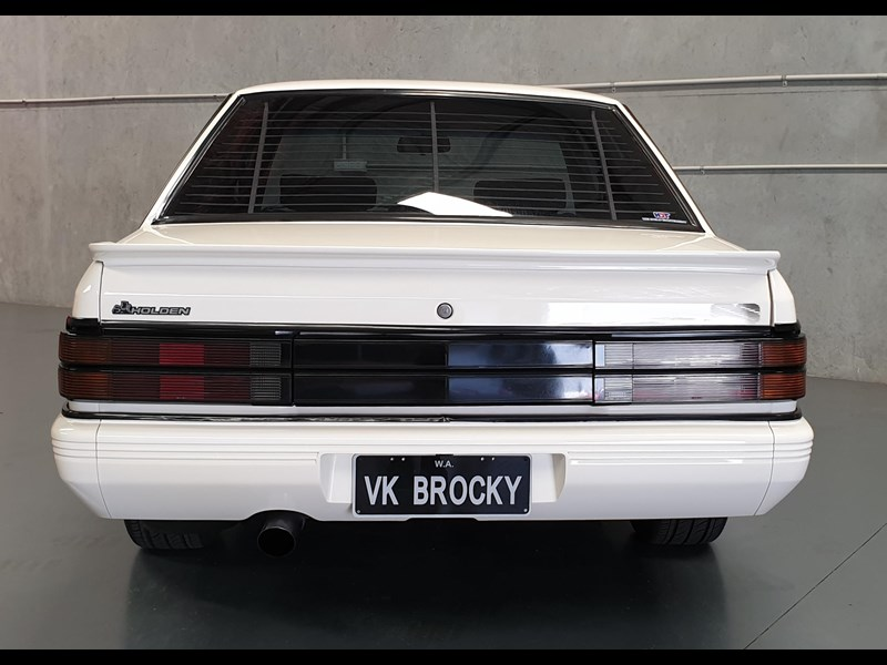 hdt commodore ss 784508 103