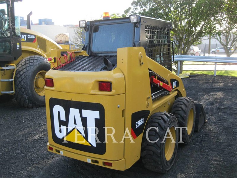caterpillar 226b3lrc 753073 007