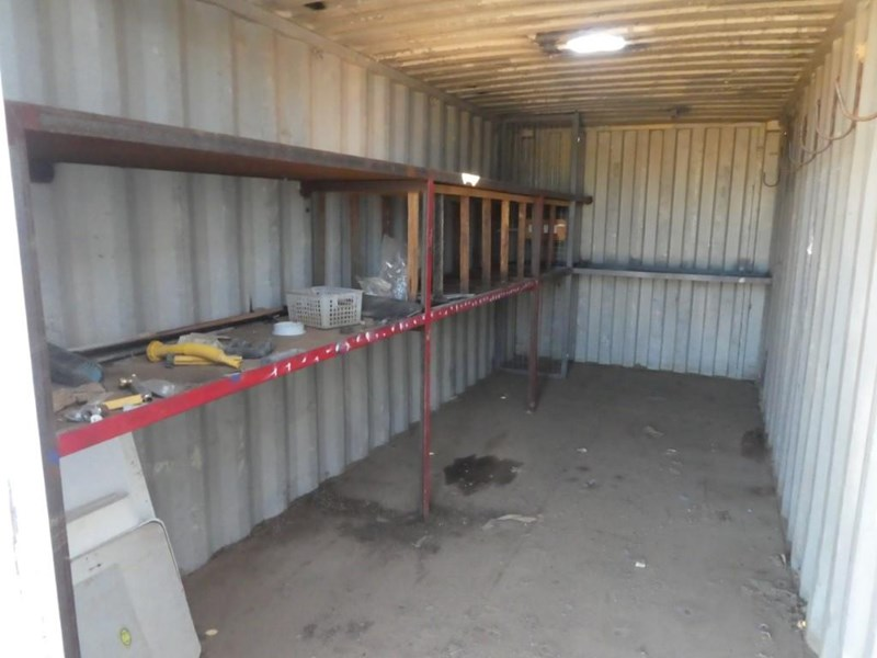 20ft work shop container with shelving 787253 009