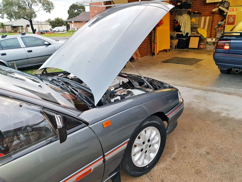 holden commodore 787849 003