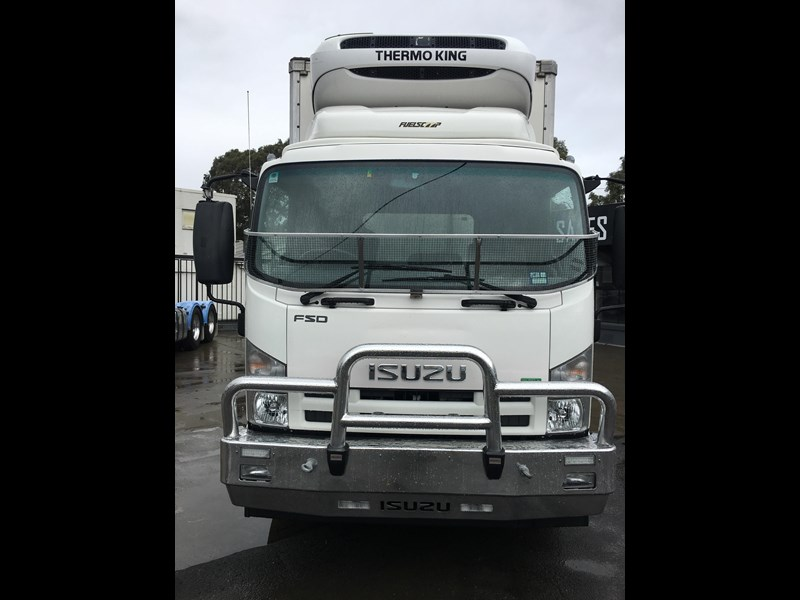 isuzu fsd700 long 788054 073
