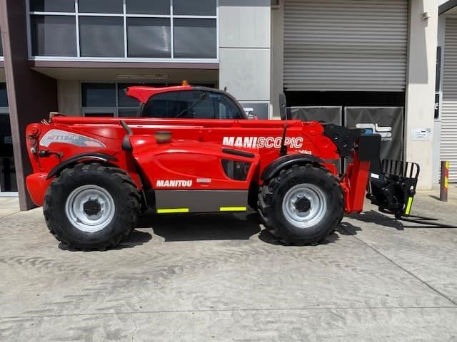 manitou mt1840 with pallet forks 787904 035