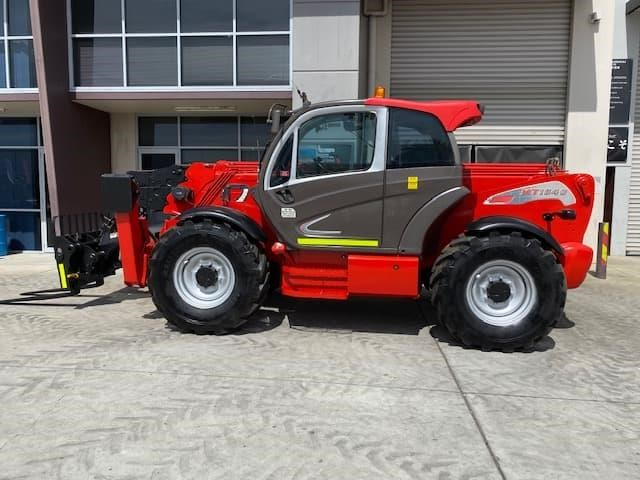 manitou mt1840 with pallet forks 787904 019