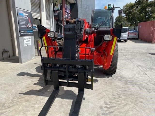 manitou mt1840 with pallet forks 787904 025