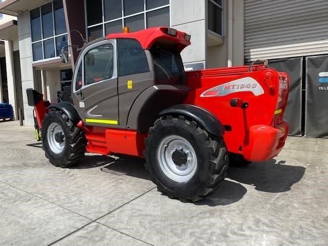 manitou mt1840 with pallet forks 787904 029