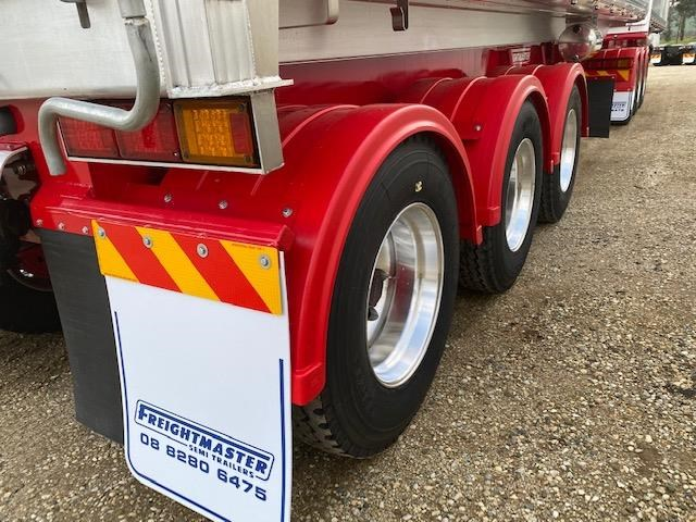 freightmaster b'double tippers 789845 045