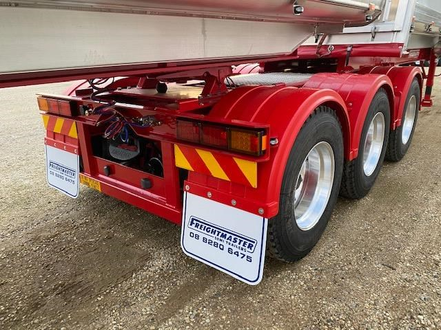 freightmaster b'double tippers 789845 051