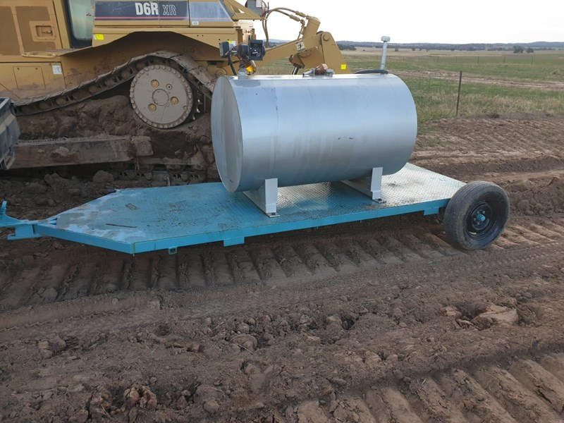 fuel tank on trailer 950 ltr 703571 001
