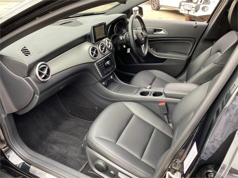 mercedes-benz gla 200 792942 051