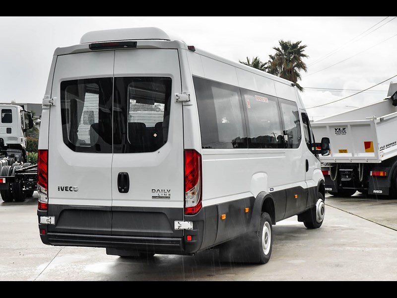 iveco daily mini bus shuttle 16 741126 009