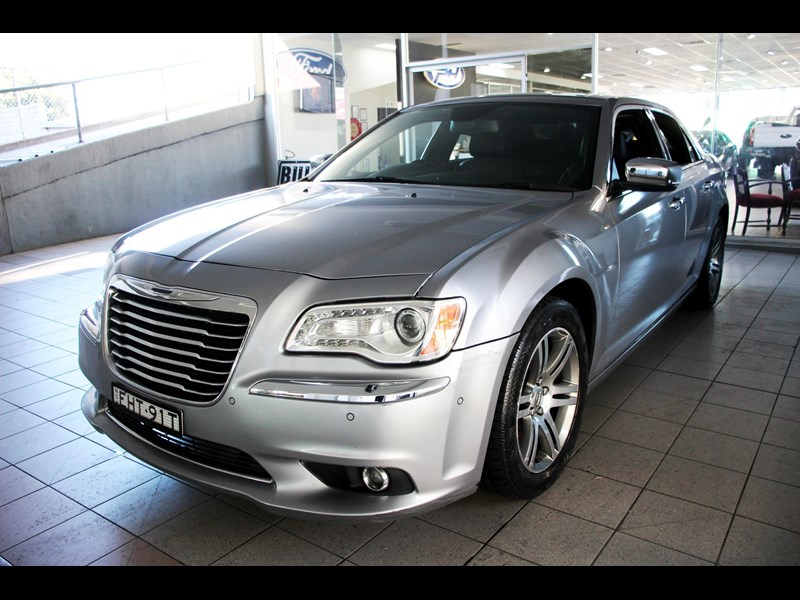 chrysler 300c 796245 019