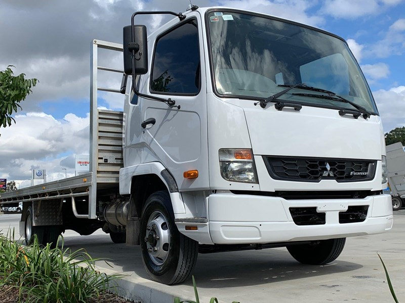 fuso fighter 1024 796473 001