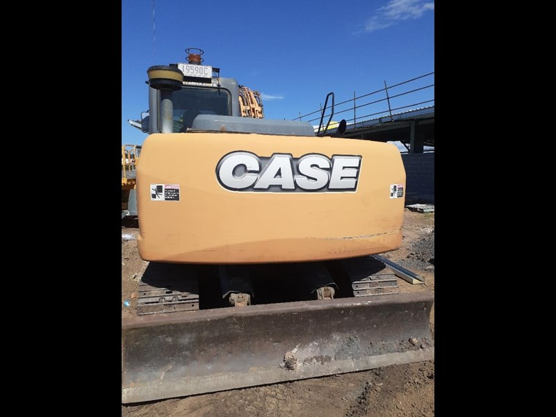case cx130 with blade, tilting quick hitch 796630 009