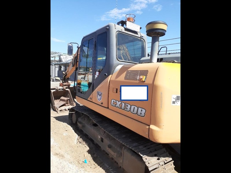 case cx130 with blade, tilting quick hitch 796630 003