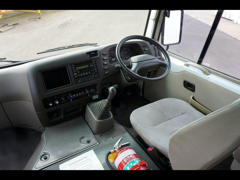 mitsubishi rosa 19 seat wheelchair bus 797415 025