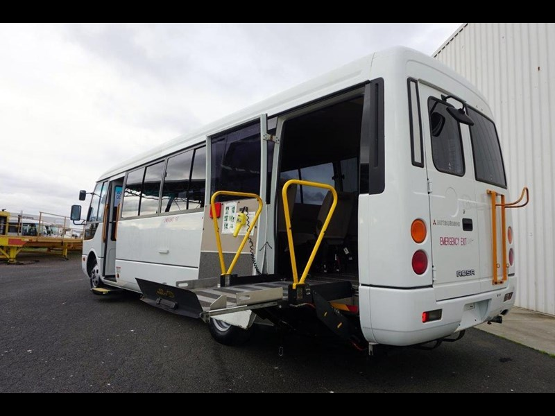 mitsubishi rosa 19 seat wheelchair bus 797415 013