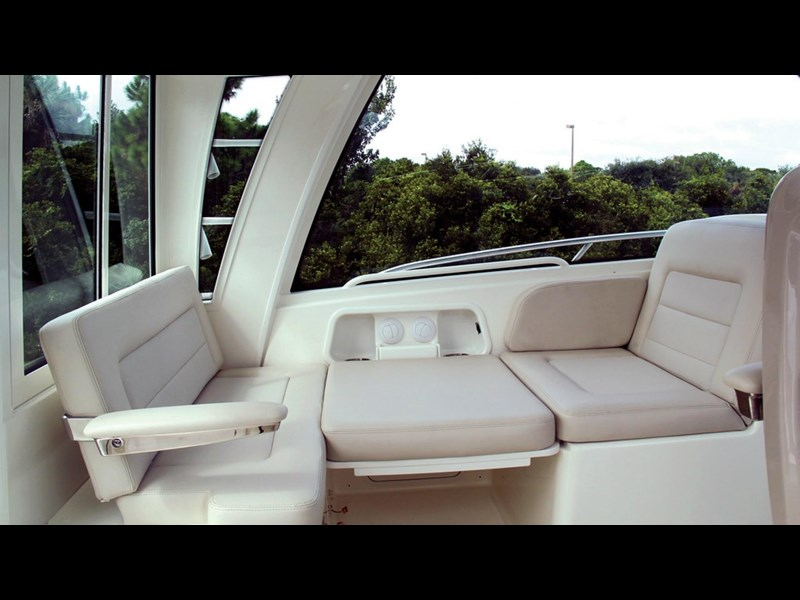 boston whaler 345 conquest - boat share 796708 039
