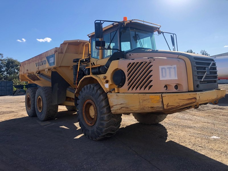 volvo a30d 737933 003