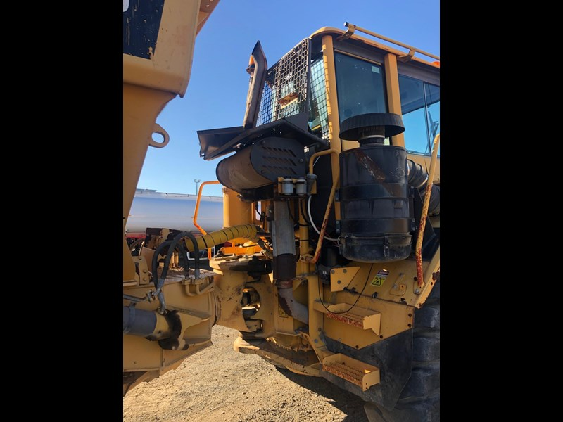 volvo a30d 737933 017