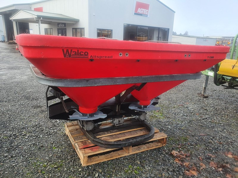 walco t1300 twin spinner 3ptl fertiliser spreader 801326 007