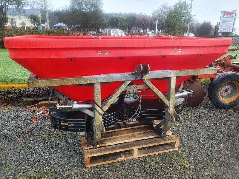 walco t1300 twin spinner 3ptl fertiliser spreader 801326 001