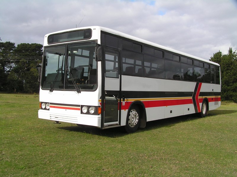 mercedes-benz pmc coach 801538 001
