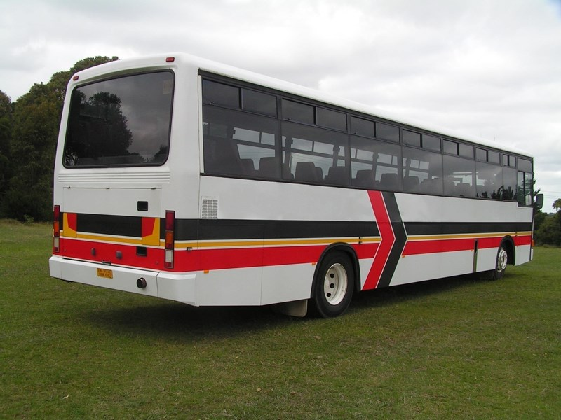 mercedes-benz pmc coach 801538 009
