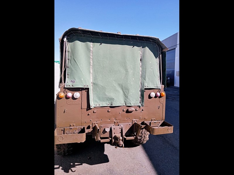 land rover series 3 802335 015