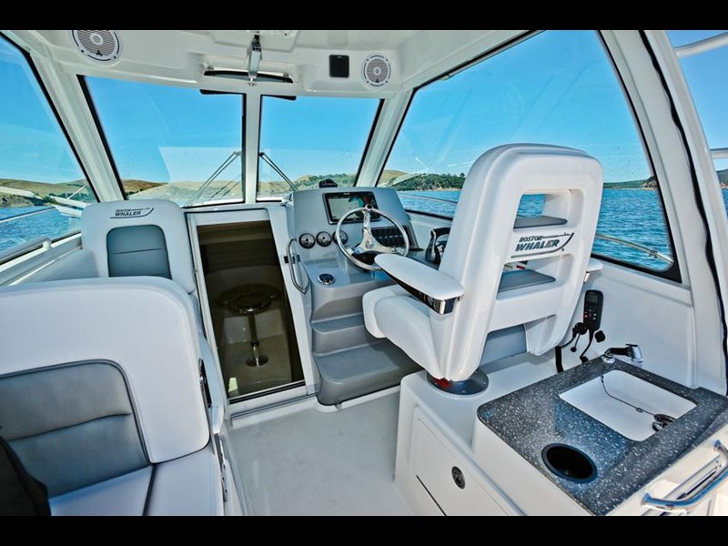 boston whaler 285 conquest 245299 071
