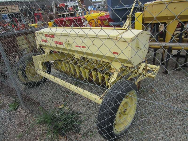 connor shea 14 row disc super seeder trailing 513327 027