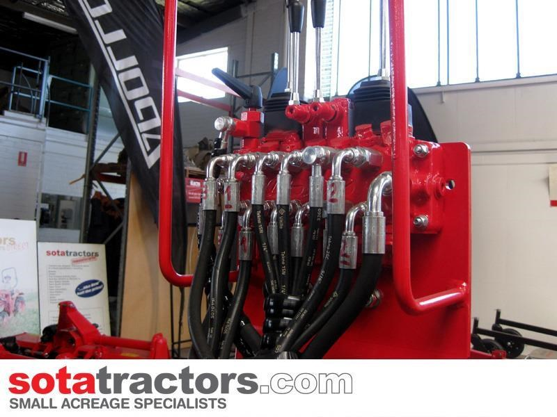 apollo 95hp tractor + 4 in 1 loader + backhoe 804495 027