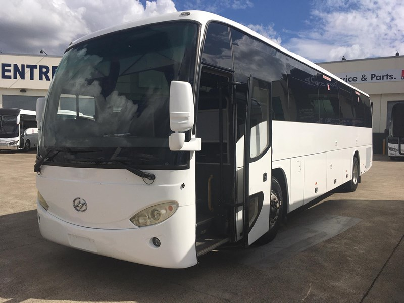 higer roadboss 58 seater coach 804800 003