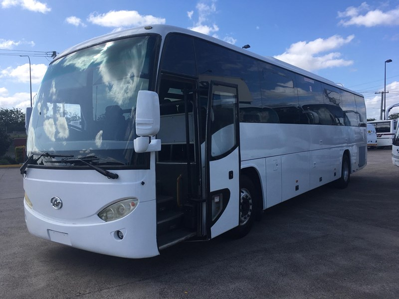 higer roadboss 58 seater coach 808421 003