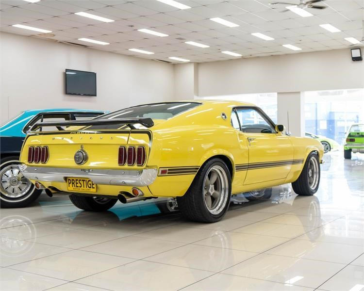 ford mustang 809534 007